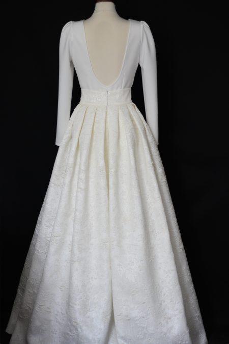 Skladaná svadobná sukňa